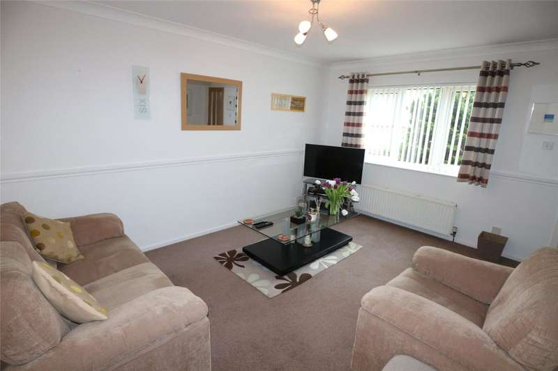 2 Bedrooms End Of Terrace House for sale in Treloweth Way, Pool, Cornwall
