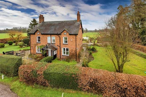 3 Bedrooms Semi Detached House for sale in 22 The Avenue, Peplow, Market Drayton, Shropshire