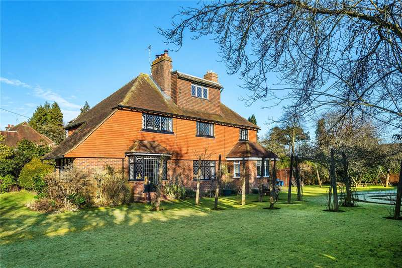 5 Bedrooms Detached House for sale in High Drive, Woldingham, Caterham, Surrey, CR3