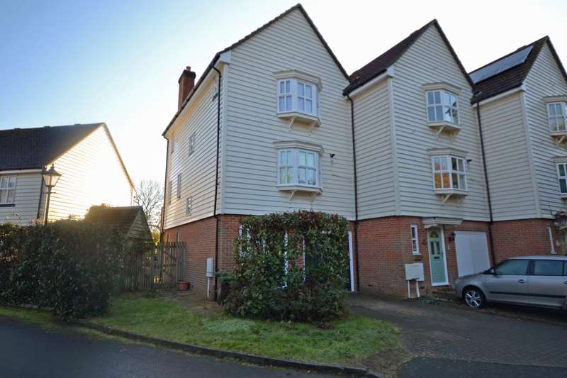 3 Bedrooms House for sale in Waters Edge, Station Road, Pulborough, West Sussex, RH20