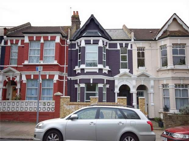 3 Bedrooms Flat for sale in Buchanan Gardens, Kensal Rise, London