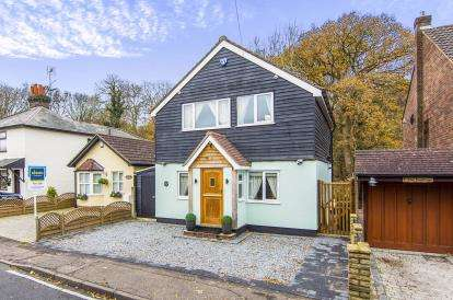 3 Bedrooms Detached House for sale in Thornwood, Epping, Essex