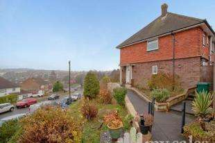 3 Bedrooms Semi Detached House for sale in Carden Hill, Brighton, East Sussex