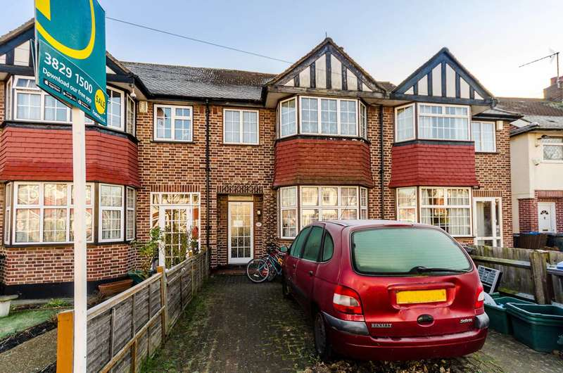 4 Bedrooms Terraced House for sale in Kingshill Avenue, Worcester Park, KT4