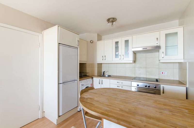 1 Bedroom Flat for sale in Bramlands Close, Clapham Junction, SW11