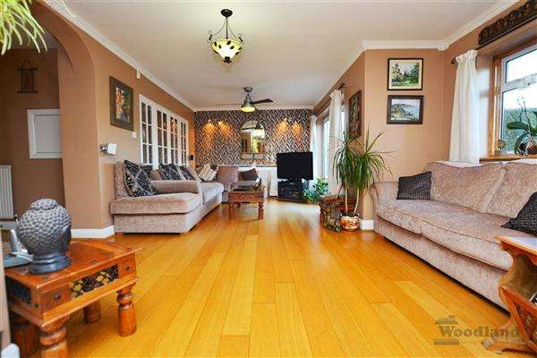 7 Bedrooms Semi Detached House for sale in St Paul's Close, Hounslow