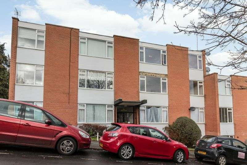 2 Bedrooms Flat for sale in Swan Court, Shire Lane, Chorleywood, Rickmansworth, Hertfordshire, WD3 5NW