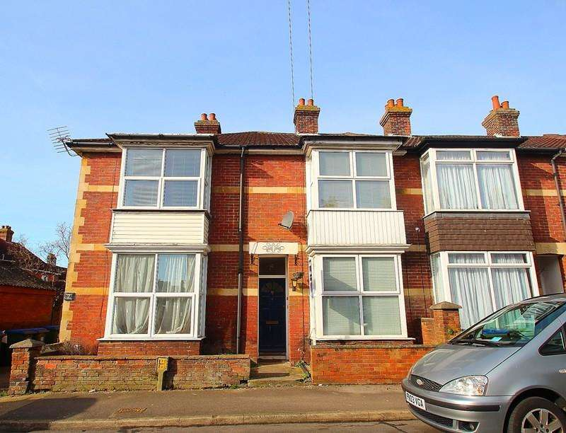 2 Bedrooms Terraced House for sale in Colenso Road, Fareham