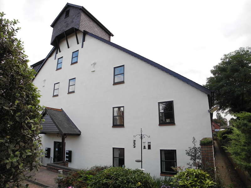 2 Bedrooms Flat for sale in The Maltings, Staithe Road, Bungay