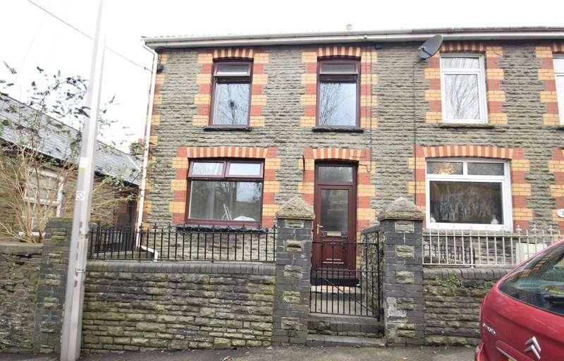 2 Bedrooms End Of Terrace House for sale in 1 Greenmeadow Terrace, Llangeinor, Bridgend County Borough, CF32 8PD