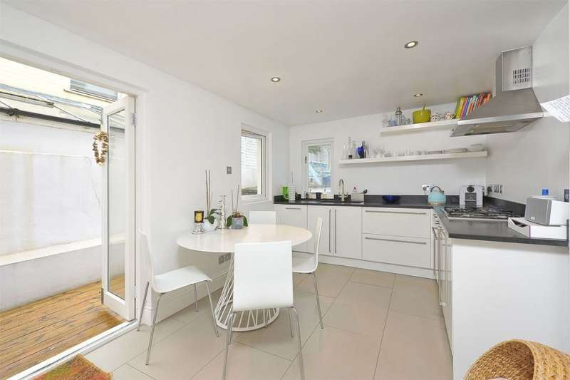 1 Bedroom Flat for sale in Lindore Road, Battersea, London