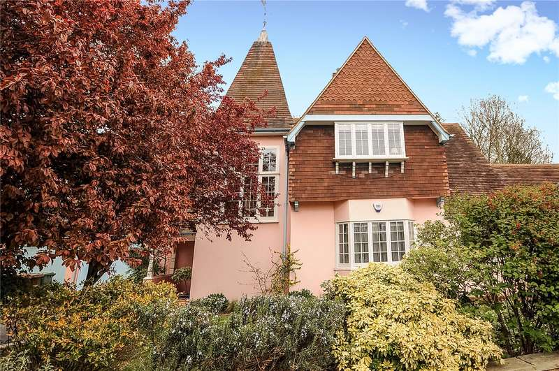 2 Bedrooms Maisonette Flat for sale in Elm Park Road, Pinner, Middlesex, HA5