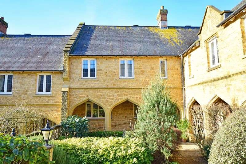 3 Bedrooms Terraced House for sale in Sherborne, Dorset