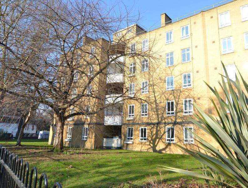 3 Bedrooms Flat for sale in Pelham House, Mornington Avenue, W14