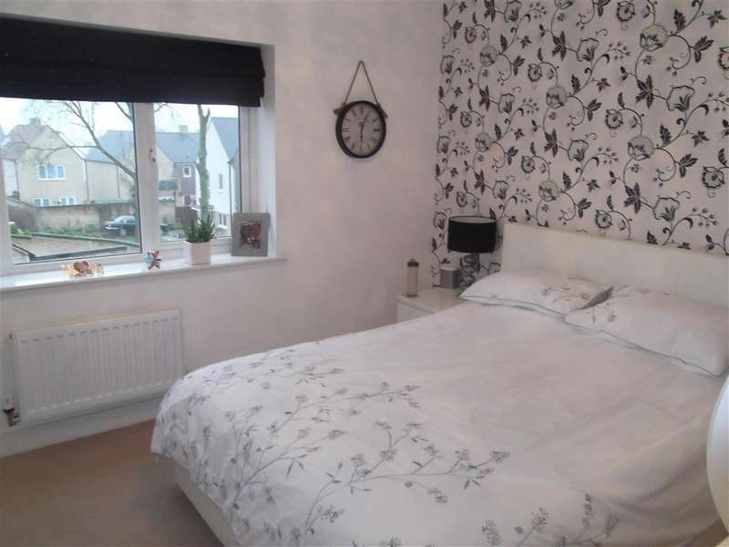 2 Bedrooms Terraced House for sale in King George Way, London