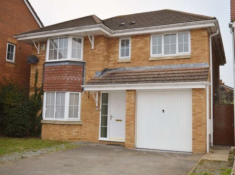 4 Bedrooms Detached House for sale in Blunden Drive, Langley, SL3