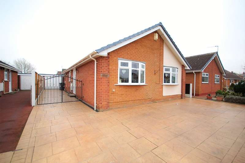 2 Bedrooms Detached Bungalow for sale in Avondale Crescent, Blackpool