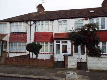 3 Bedrooms Terraced House for sale in York Road, London
