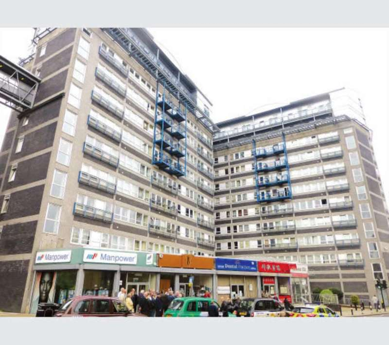 2 Bedrooms Flat for sale in Calderwood Street, Woolwich