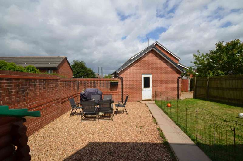 3 Bedrooms Semi Detached House for sale in Buccaneer Close, Newport
