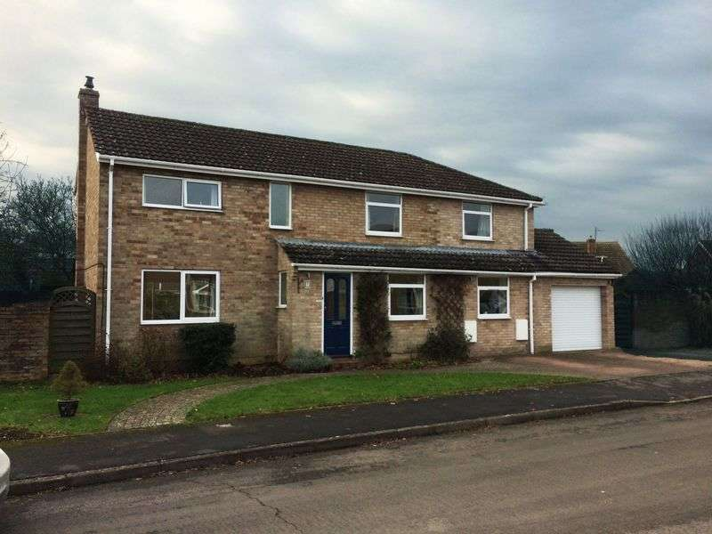 5 Bedrooms Detached House for sale in Little Howe Close, Radley