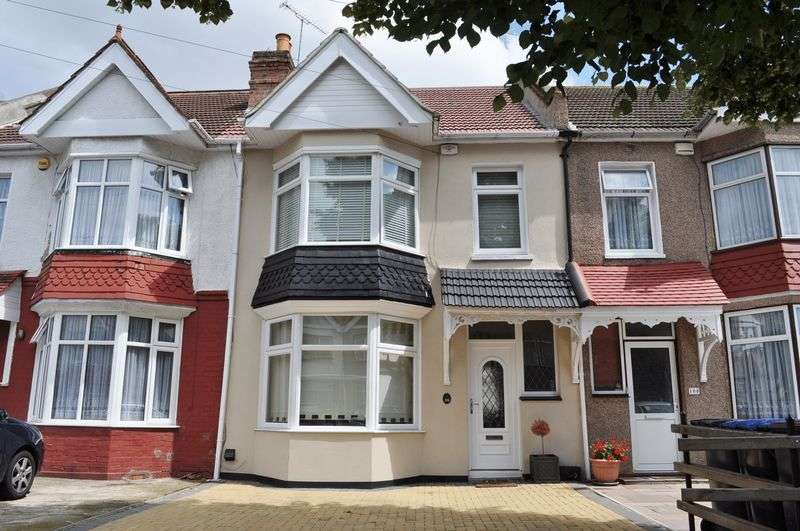 3 Bedrooms Terraced House for sale in Scarle Road, Wembley