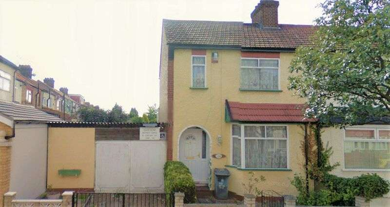 3 Bedrooms Terraced House for sale in Stokes Road, East Ham E6 3SF