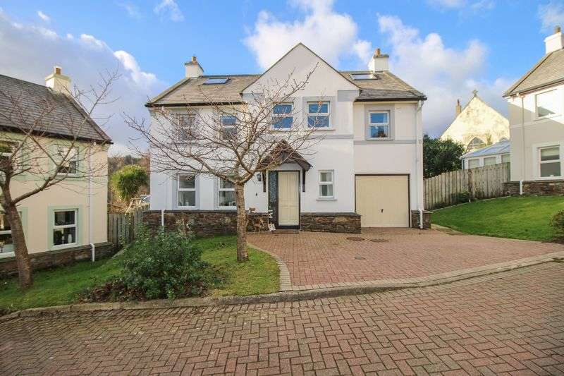 5 Bedrooms Detached House for sale in 4 Lower Cronk Orry, Laxey, IM4 7EG