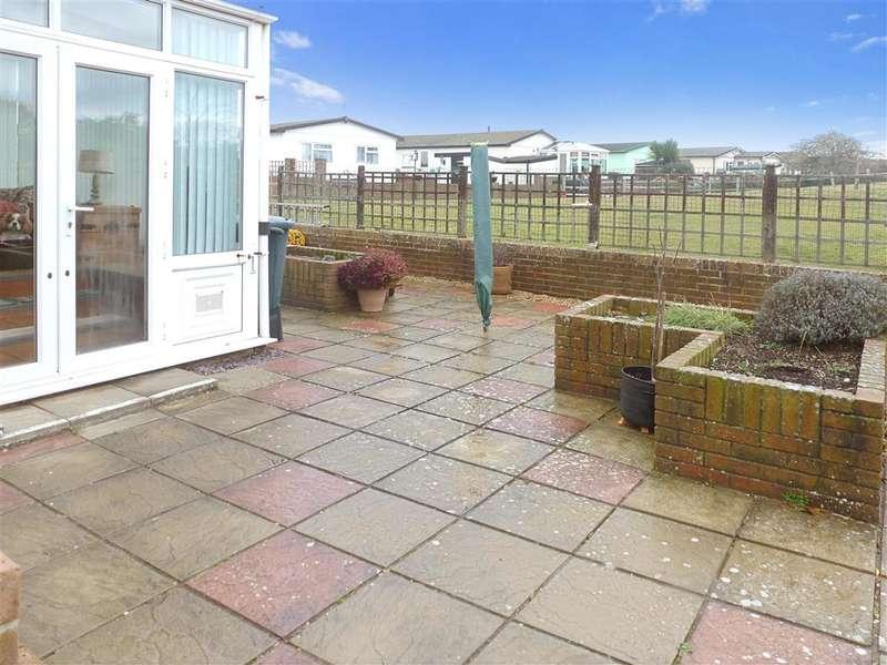 1 Bedroom Park Home Mobile Home for sale in Conifer Way, Bognor Regis, West Sussex