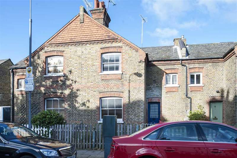 3 Bedrooms Cottage House for sale in Railway Cottages, Sulgrave Road, Hammersmith