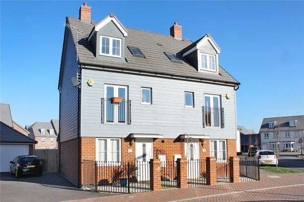 4 Bedrooms Semi Detached House for sale in Coleridge Crescent, Elysian Fields, Littlehampton, West Sussex, BN17