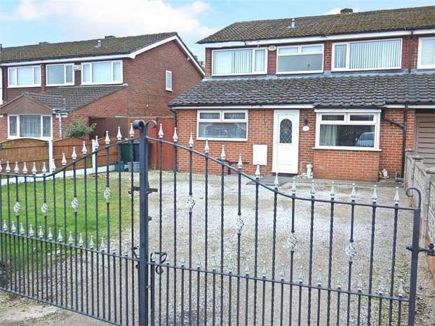 4 Bedrooms Detached House for sale in Saughall Road, Blacon, Chester, Cheshire
