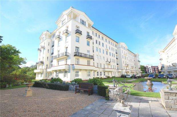 4 Bedrooms Flat for sale in Bath Road, Bournemouth, Dorset, BH1