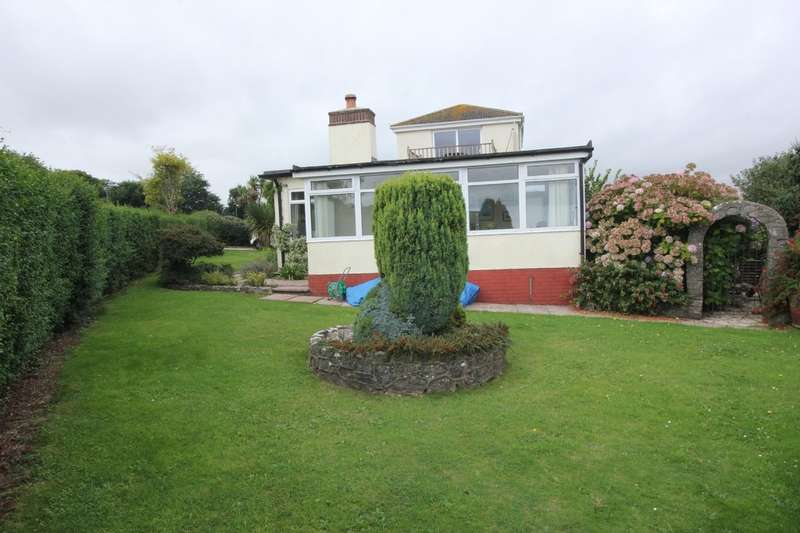 4 Bedrooms Detached Bungalow for sale in Horseshoe Bend, Paignton