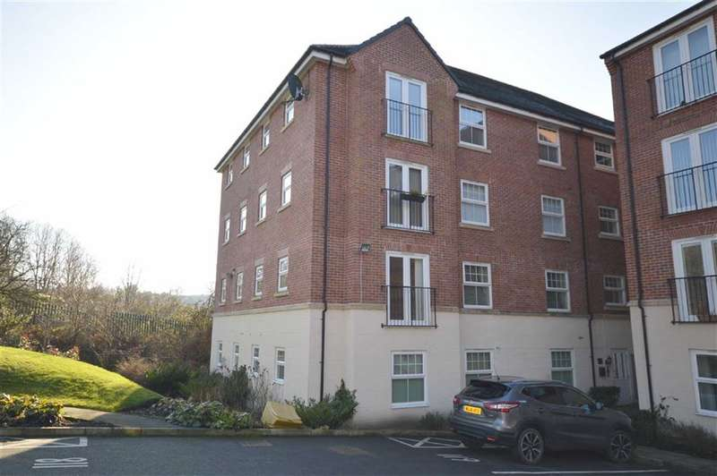 2 Bedrooms Flat for sale in Stonemere Drive, Radcliffe, Manchester