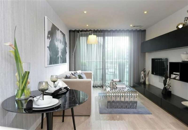 3 Bedrooms Property for sale in Saffron Tower, Croydon, London, CR0