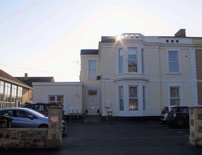2 Bedrooms Bungalow for sale in Ellenborough Park South, Weston-Super-Mare