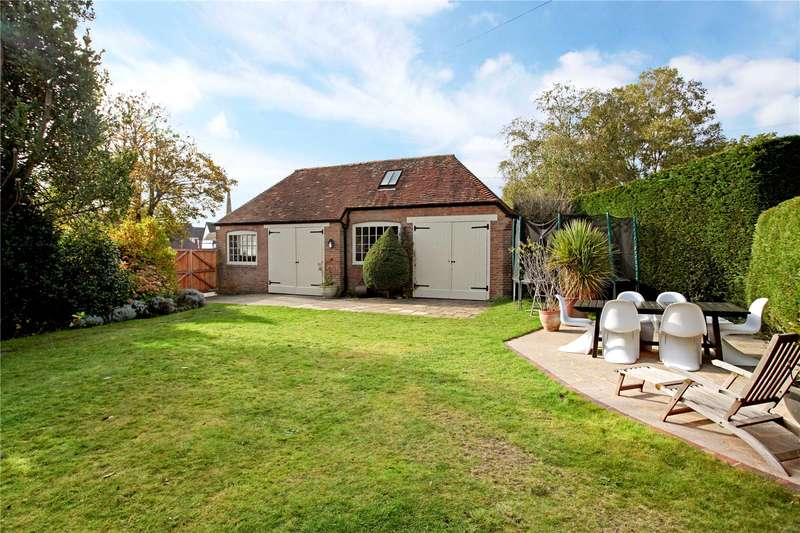 3 Bedrooms Detached House for sale in Ewhurst Road, Cranleigh, Surrey, GU6