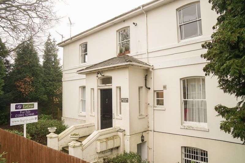 2 Bedrooms Flat for sale in Bretland Road, Tunbridge Wells