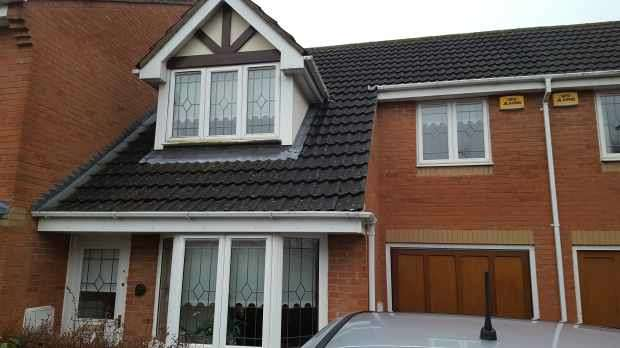 3 Bedrooms Semi Detached House for sale in Moorhen Way, Buckingham, Buckinghamshire, MK18 1GU