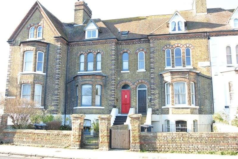 4 Bedrooms Terraced House for sale in New Street, Sandwich