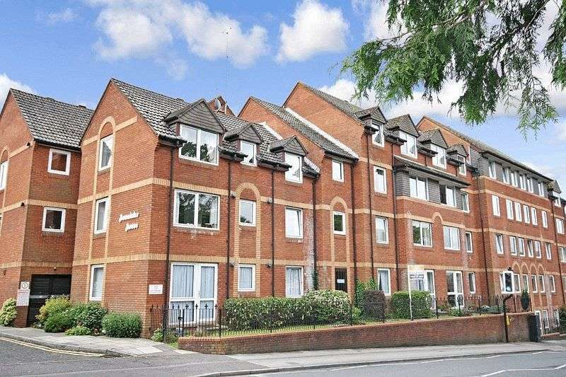 1 Bedroom Flat for sale in Station Road, Poole