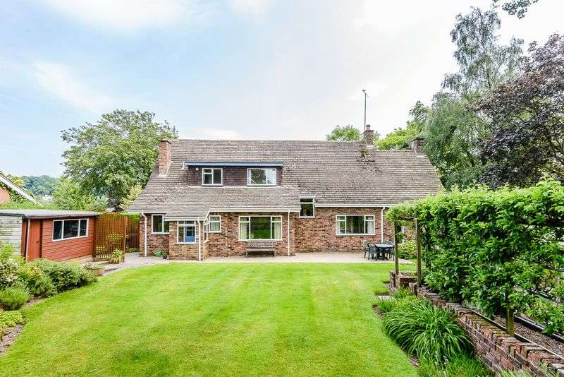 4 Bedrooms Detached House for sale in Old Coach Road, Kelsall