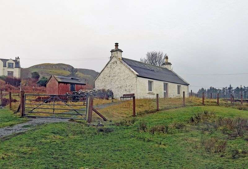 2 Bedrooms Cottage House for sale in 7 Lephin, Glendale, Isle Of Skye