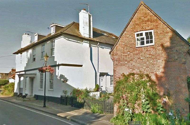 2 Bedrooms Flat for sale in Fordingbridge