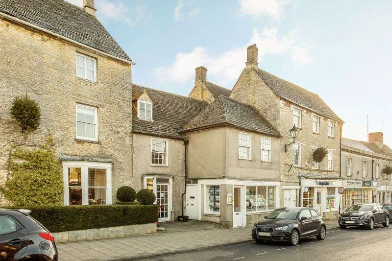 3 Bedrooms Terraced House for sale in Market Place, Fairford, Gloucestershire.