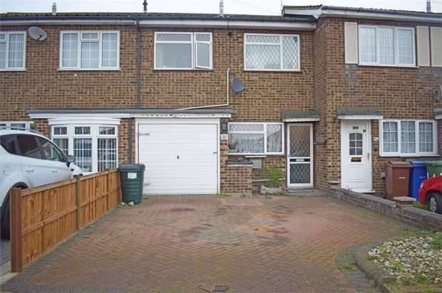 3 Bedrooms Terraced House for sale in Giffordside, Grays, Essex