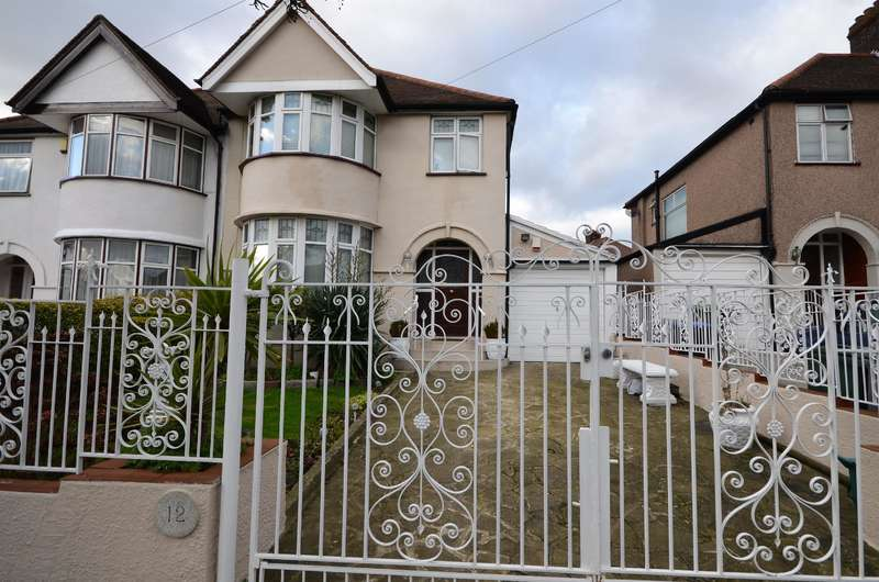 3 Bedrooms Semi Detached House for sale in Vincent Gardens, London, NW2 7RP
