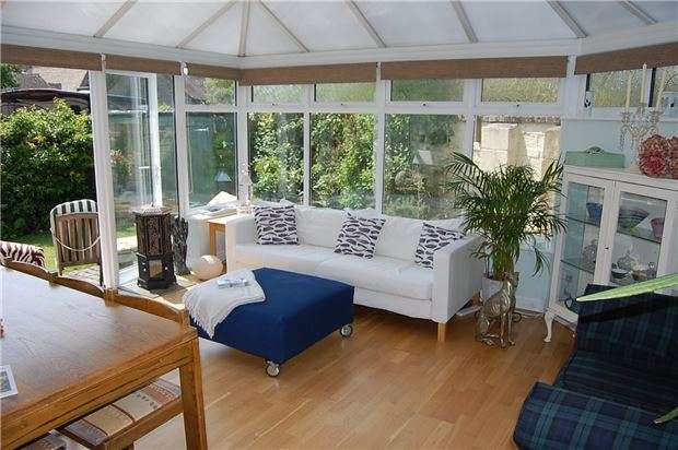 3 Bedrooms Detached House for sale in Bearsfield, Bisley, Stroud, Gloucestershire, GL6 7DB