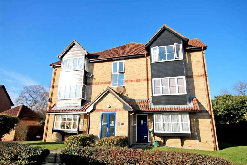 Apartment Flat for sale in Monks Crescent, Addlestone, Surrey, KT15